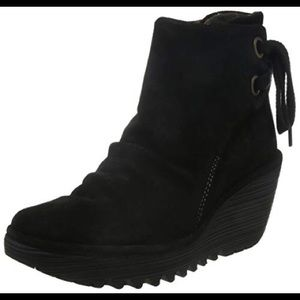 Fly London Yama Anthracite Suede Bootie 38
